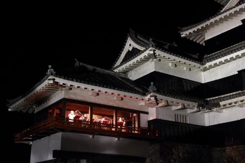 松本城夜桜会の演奏