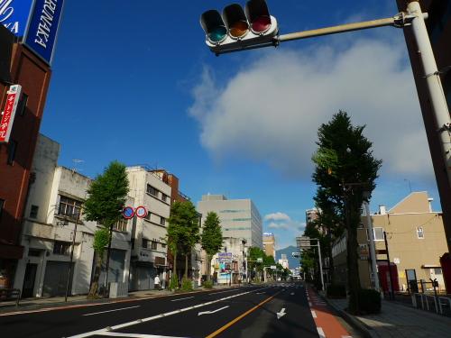 朝の松本 駅前大通り